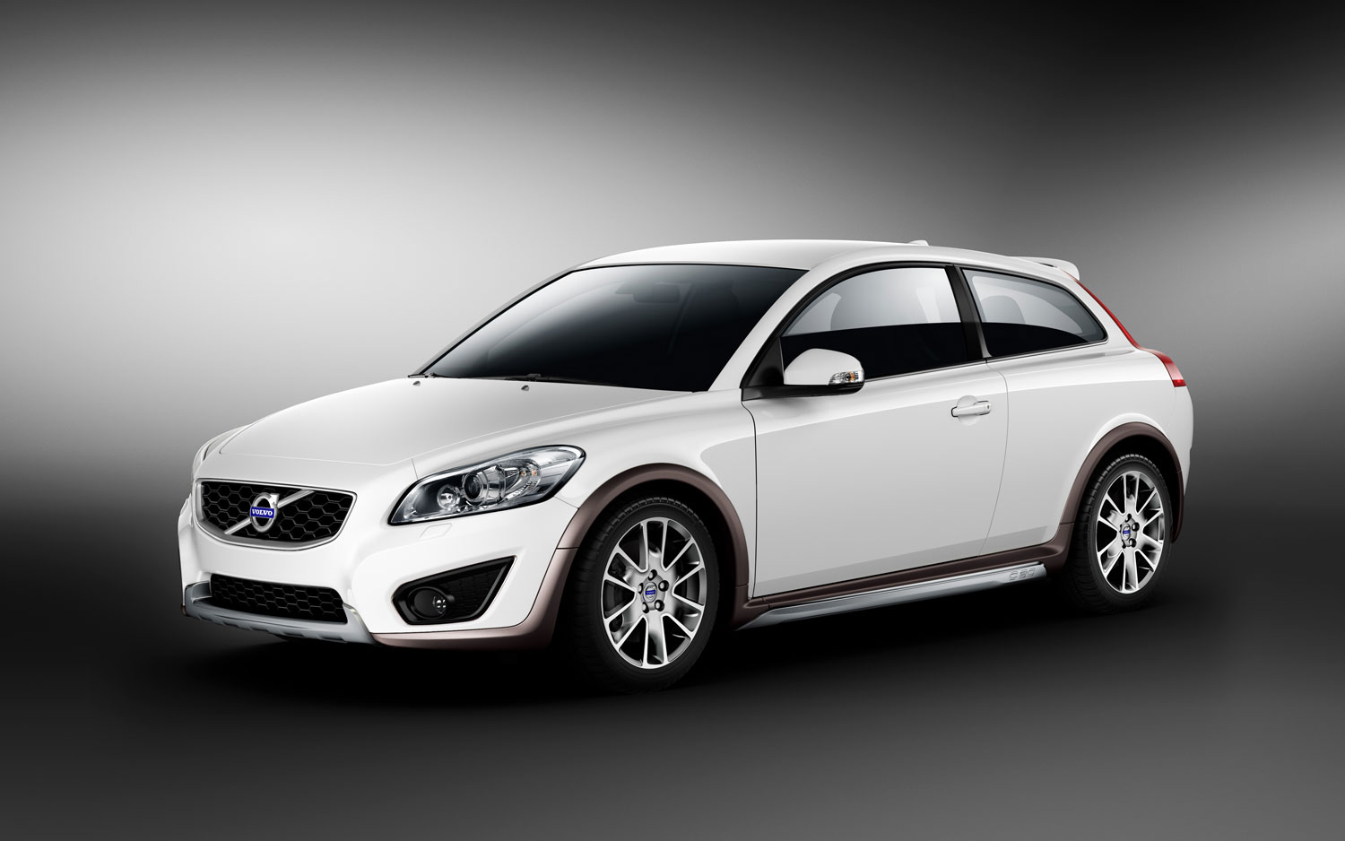 Volvo Announces Polestar Tuning Kits Available for C30, C70, S40