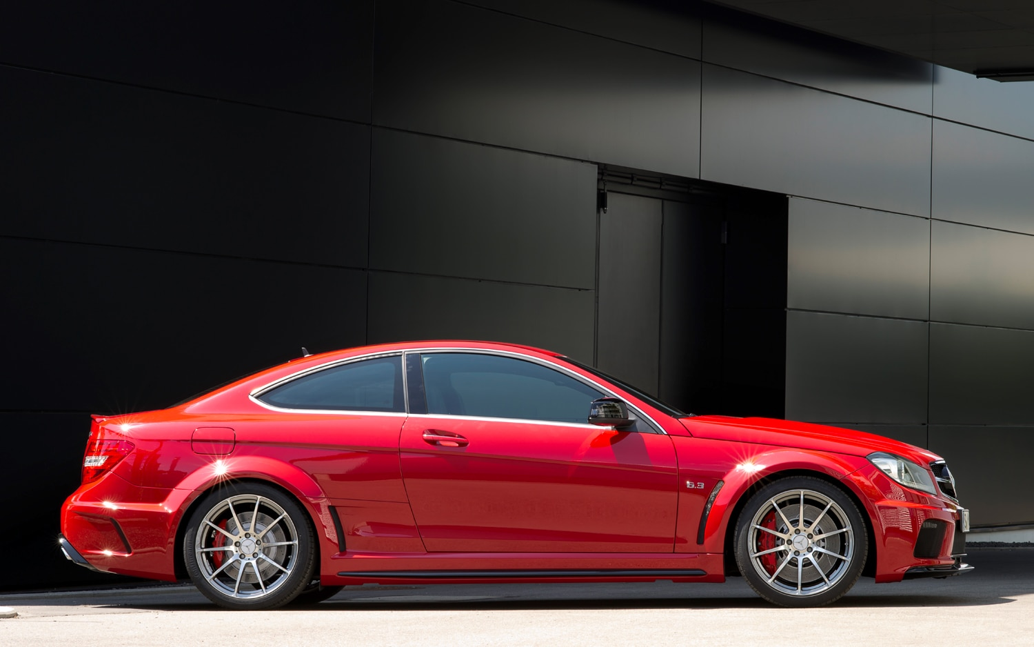 first drive: 2012 mercedes-benz c63 amg coupe black series
