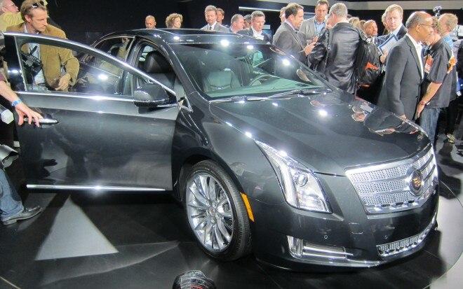 2013 Cadillac XTS Front Three Quarter Live1 660x413