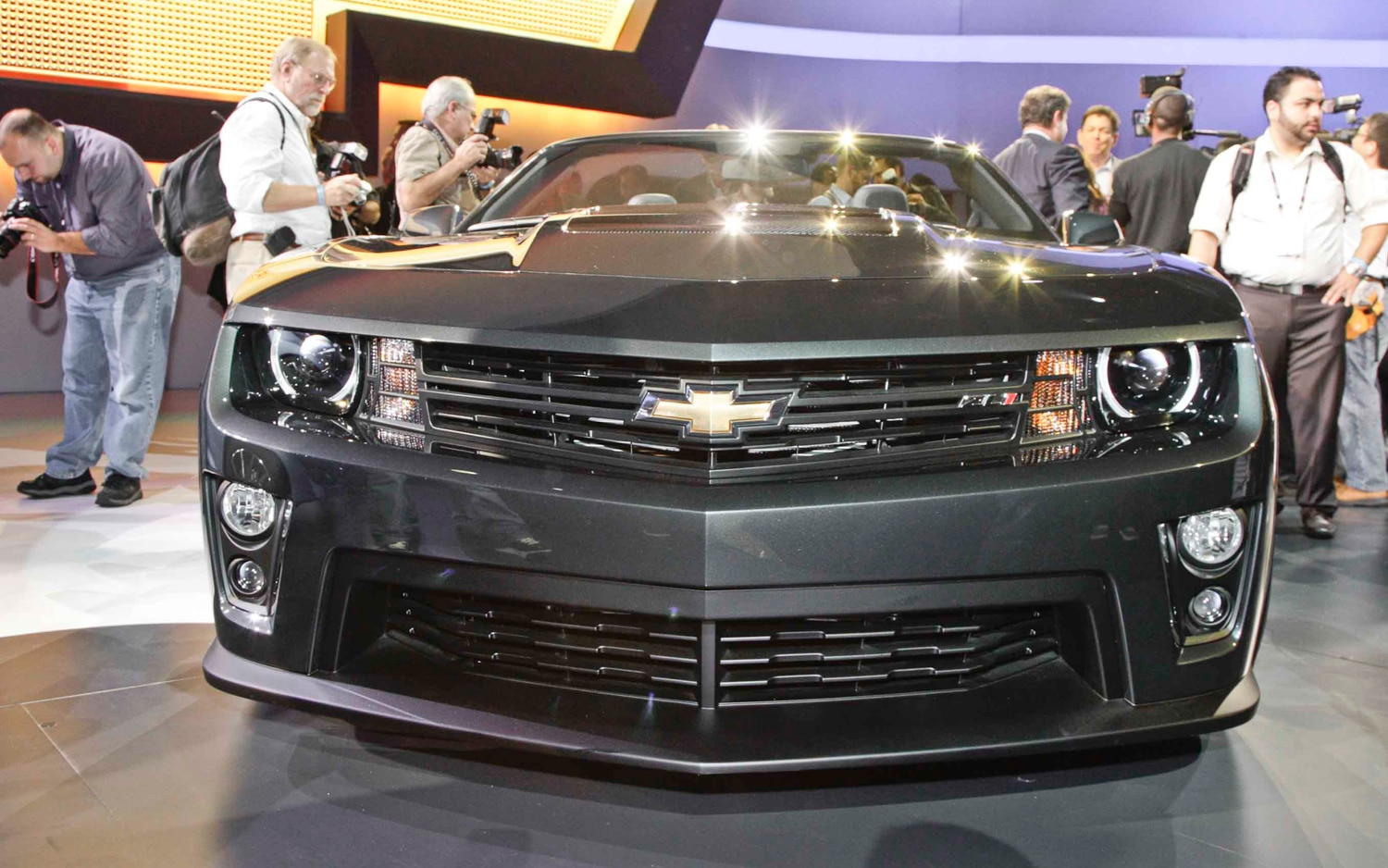2013 Chevrolet Camaro ZL1 Convertible Front End1