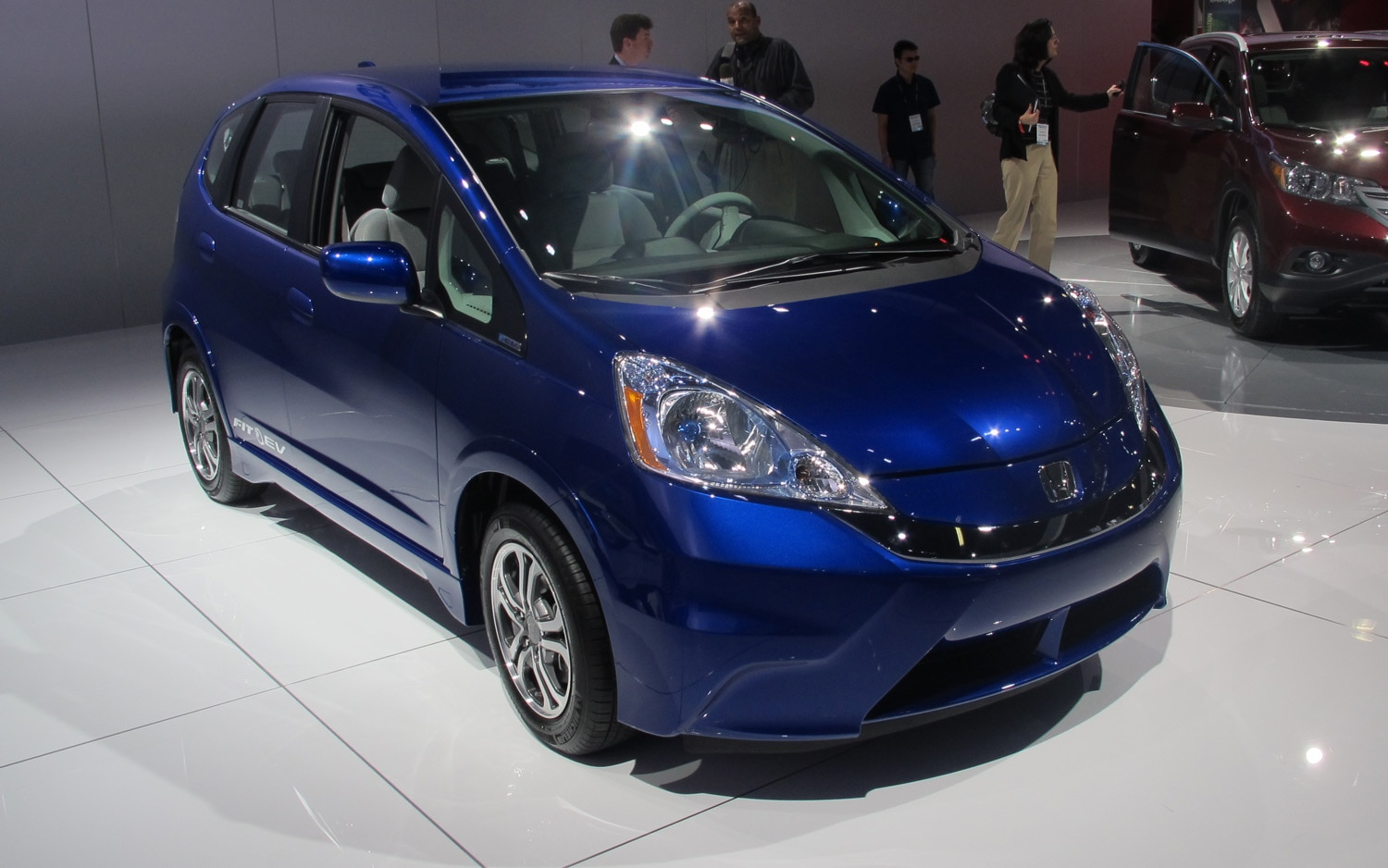 los angeles 2011 honda electrifies the 2013 fit ev. Black Bedroom Furniture Sets. Home Design Ideas