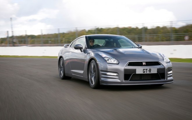 2013 Nissan GT R European Spec Front Right View1 660x413