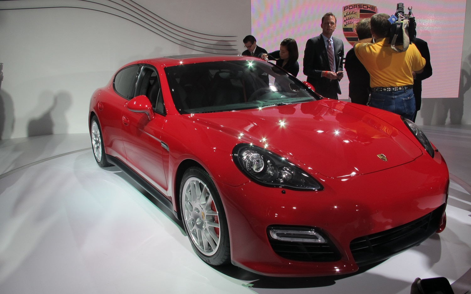 los angeles 2011 2013 porsche panamera gts debuts. Black Bedroom Furniture Sets. Home Design Ideas