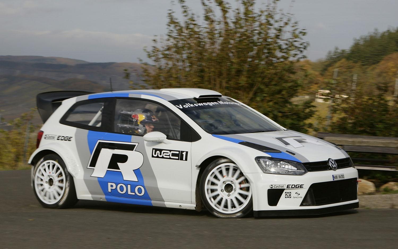 2013 Volkswagen Polo R WRC Front Three Quarter Corner1