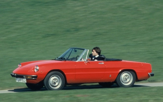 Alfa Romeo Spider Red Left Side1 660x413