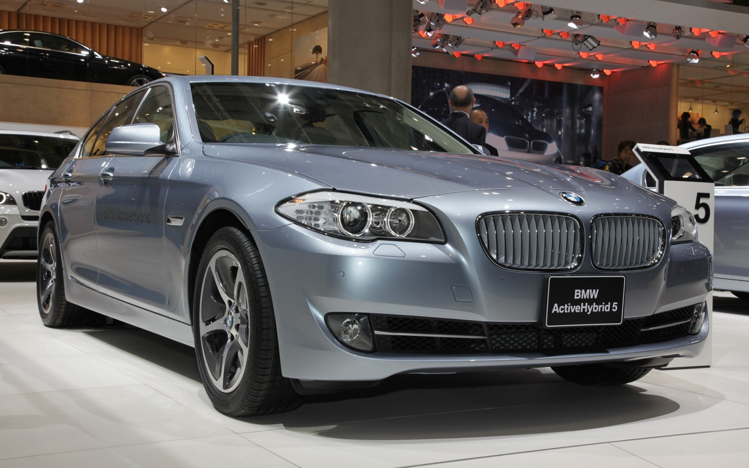 BMW ActiveHybrid 5 Front Three Quarters