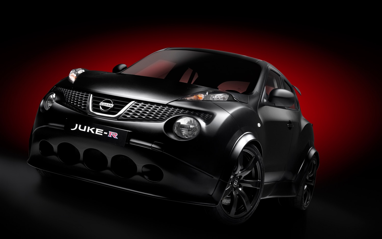 Nissan Juke R Front Three Quarter1