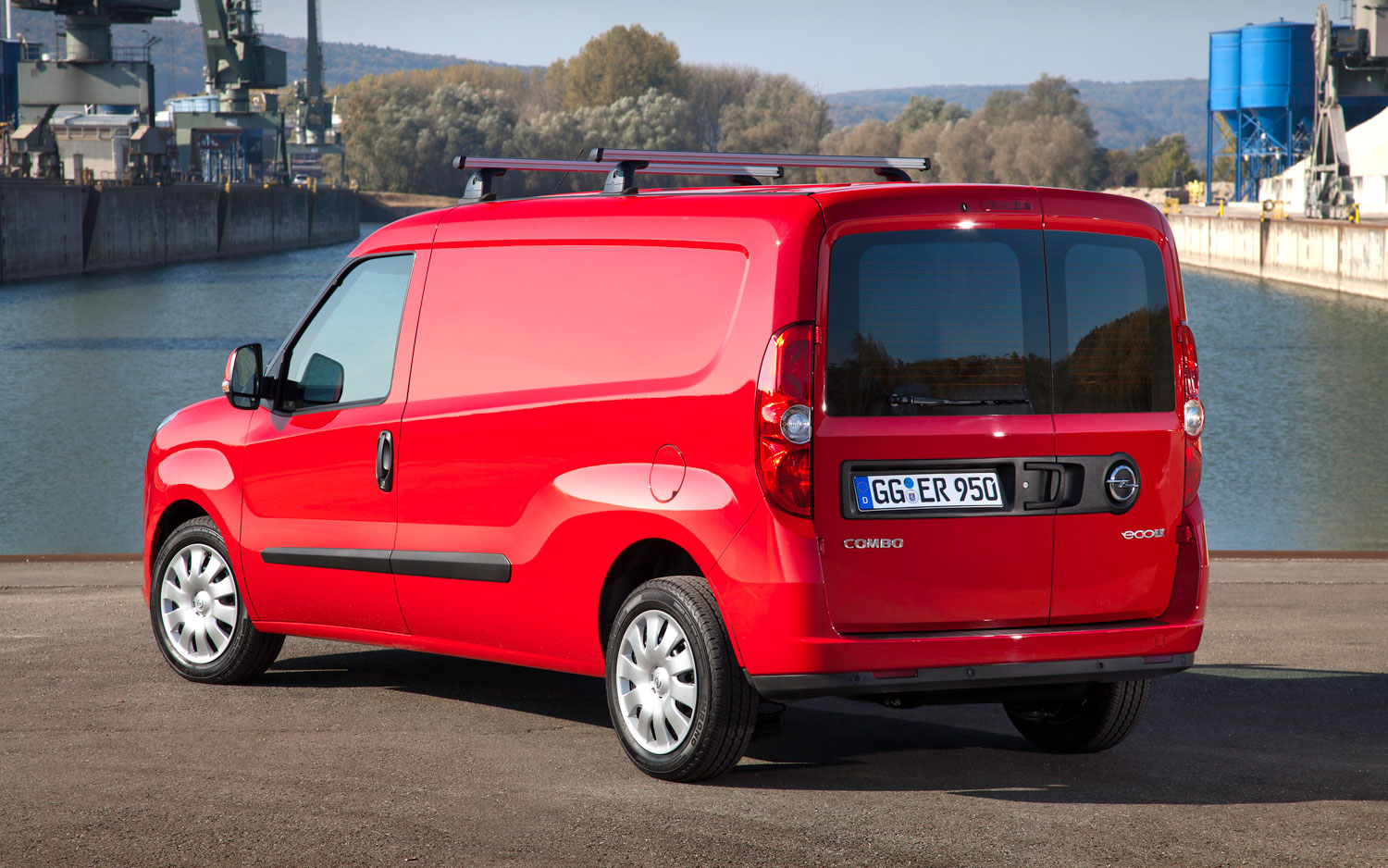 three in one fiat doblo rebadged as opel combo in europe. Black Bedroom Furniture Sets. Home Design Ideas