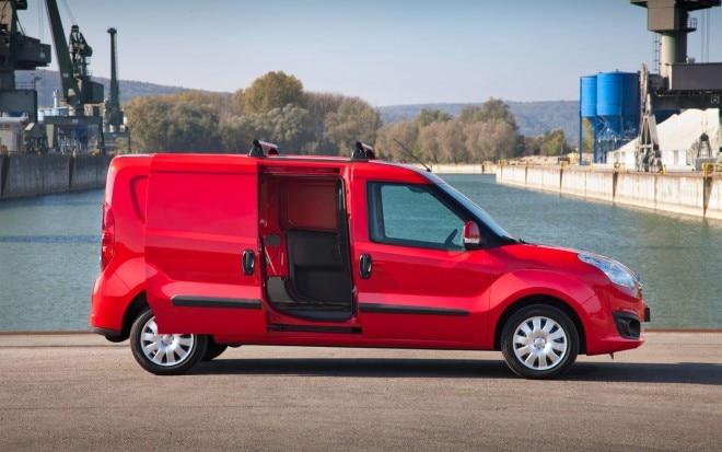Opel Combo Cargo Van Profile1 660x413