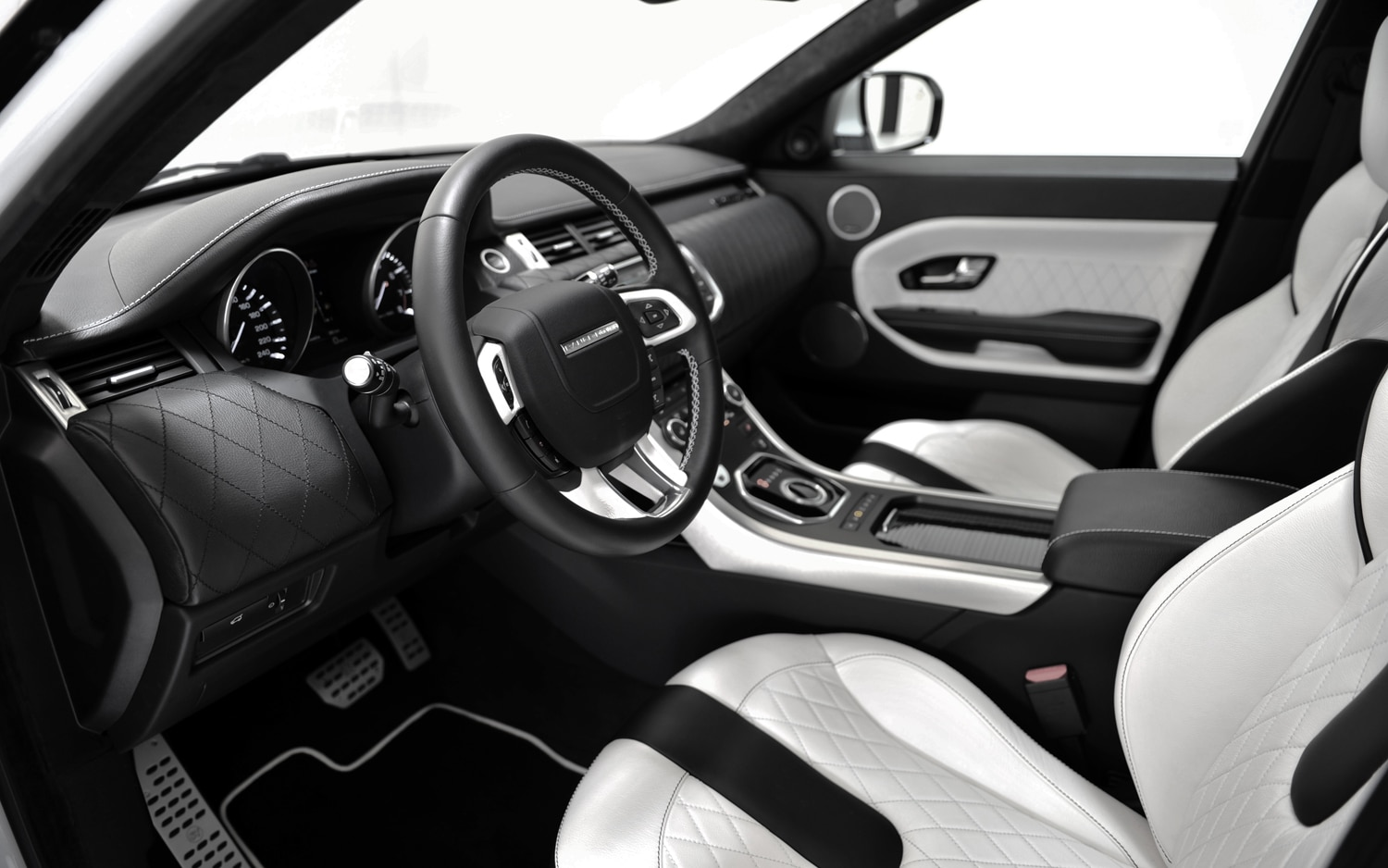 brabus subdivision startech prepares styling kit for range rover evoque. Black Bedroom Furniture Sets. Home Design Ideas