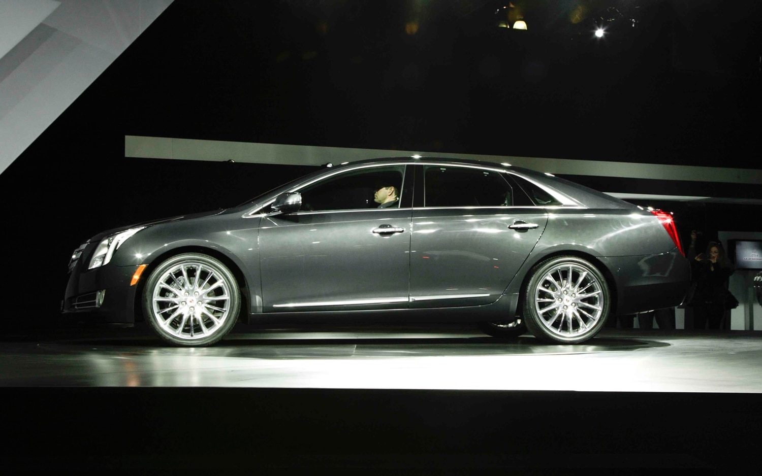 Cadillac XTS Left Side View1
