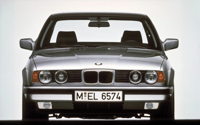 1989 BMW E34 front view