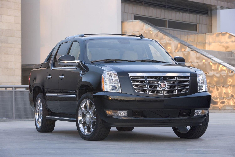 2009 Cadillac Escalad EXT Front Three Quarters1