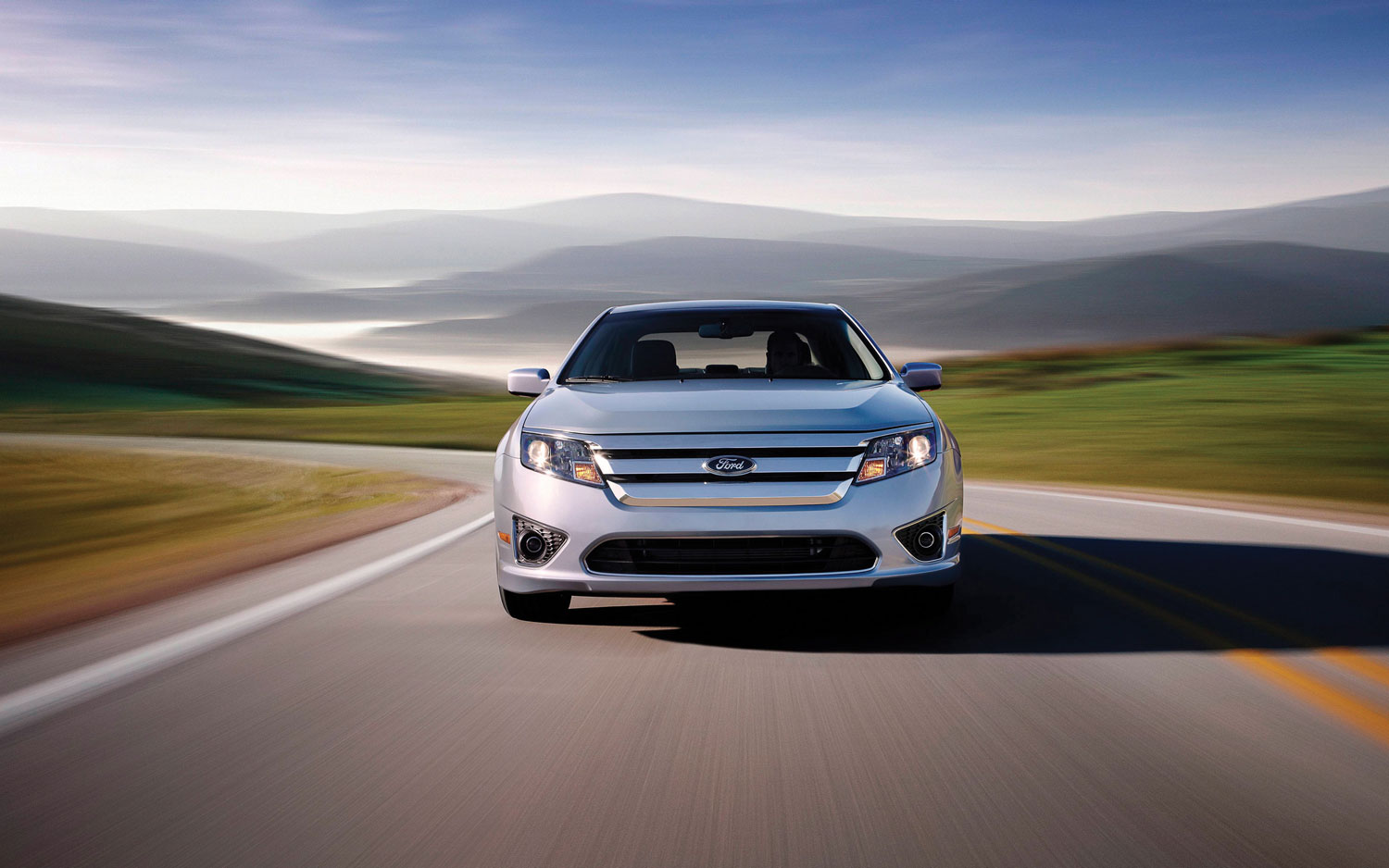 2010 Ford Fusion Hybrid Front1