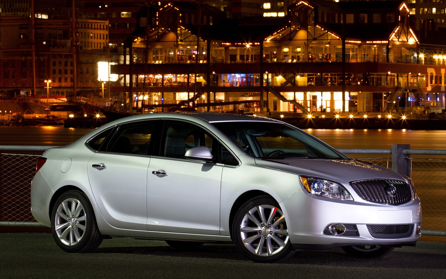 2012 Buick Verano Front Three Quarter Night11