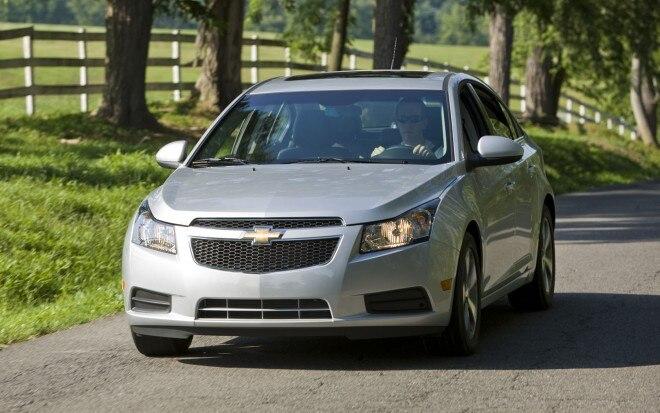 2012 Chevrolet Cruze Front Three Quarter2 660x413