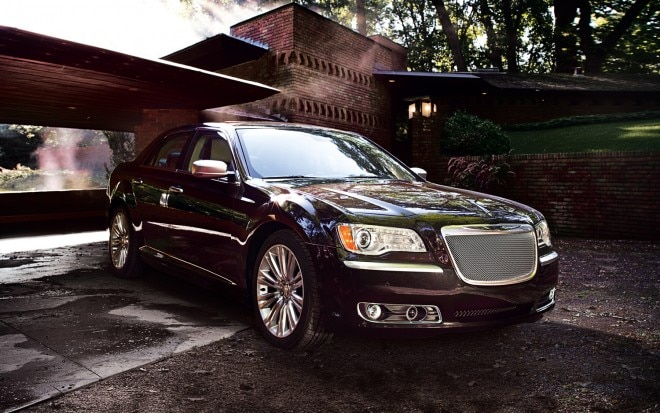 2012 Chrysler 300 Luxury Series Front Three Quarter 11 660x413