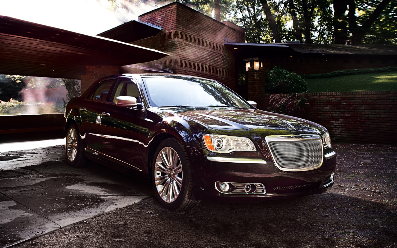 2012 Chrysler 300 Luxury Series Front Three Quarter 11