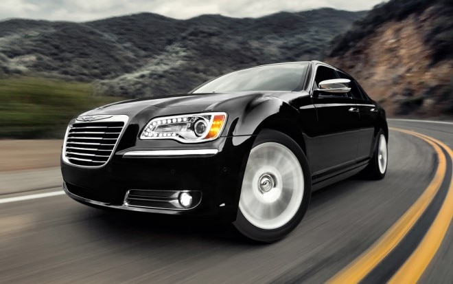 2012 Chrysler 300 Front Three Quarter3 660x413