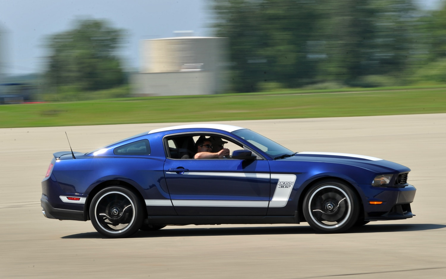 2012 Ford Mustang Boss 302 Profile1