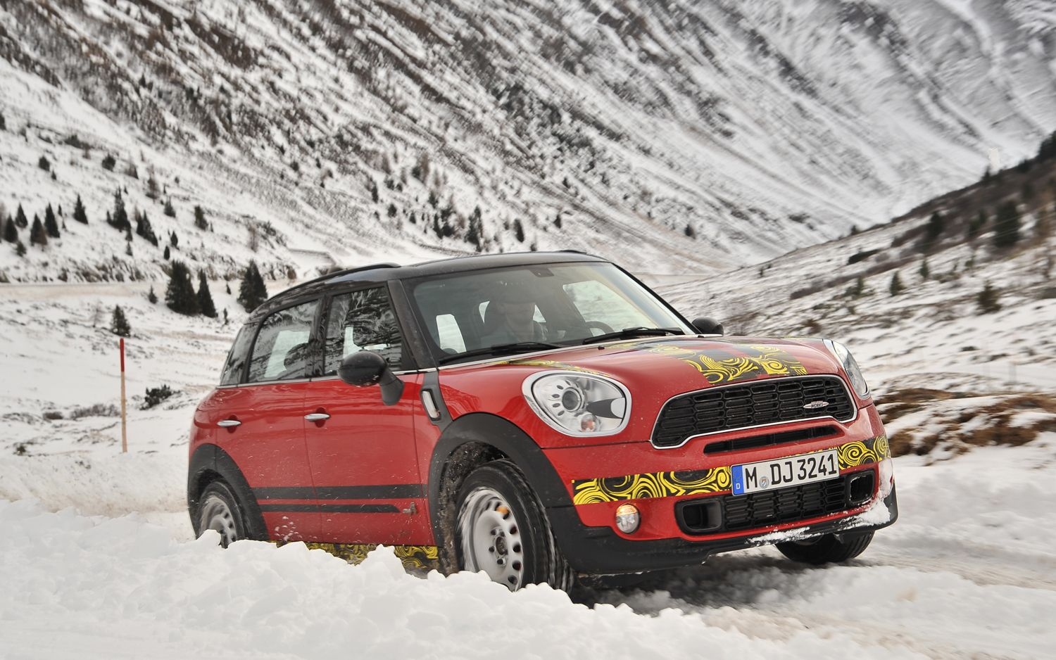 2012 Mini JCW Countryman All4 Prototype Driving In The Snow1