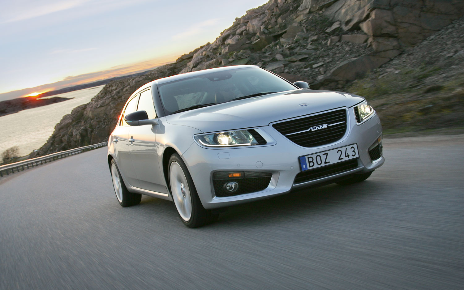 2012 Saab 9 5 Front Right Shot In Motion1