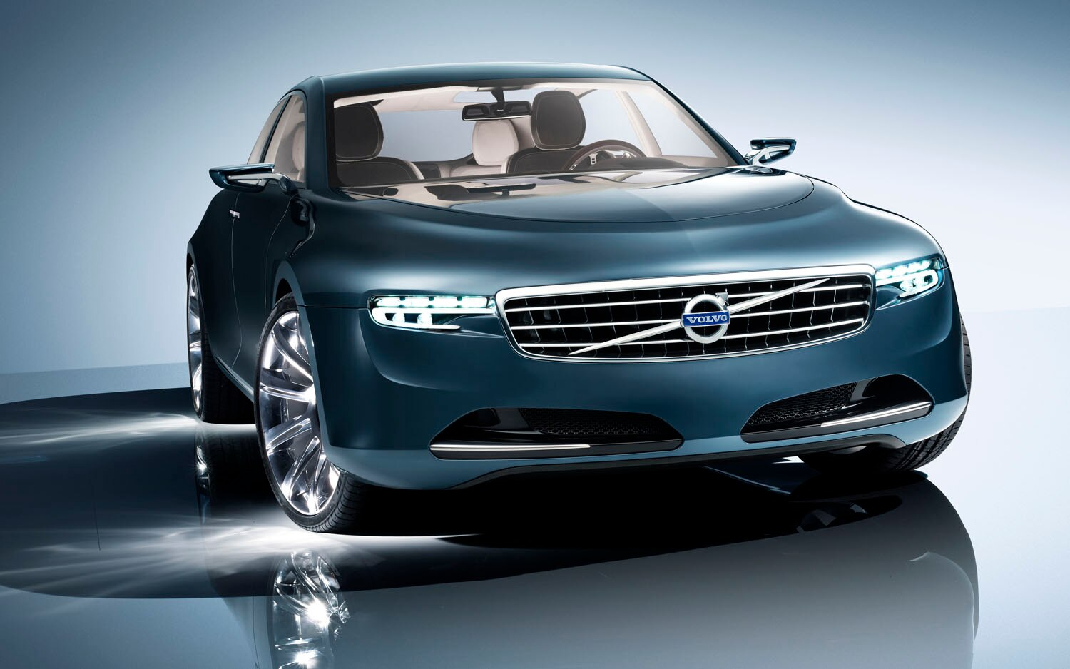 2012 Volvo Concept You Front Three Quarter 31