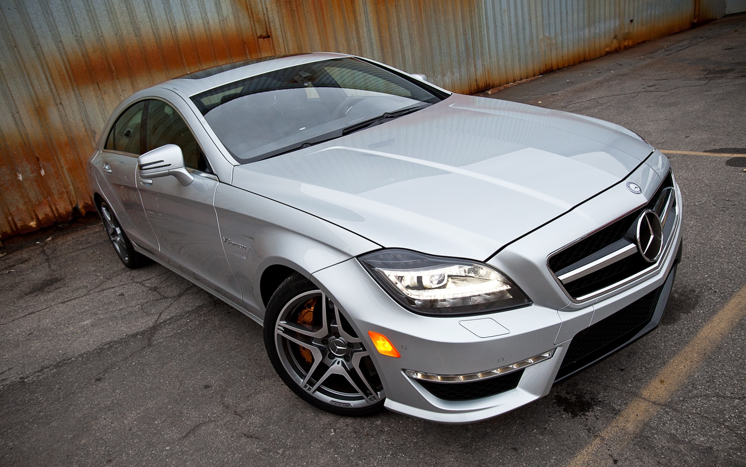 2012 Mercedes Benz CLS63 AMG Front Right View1