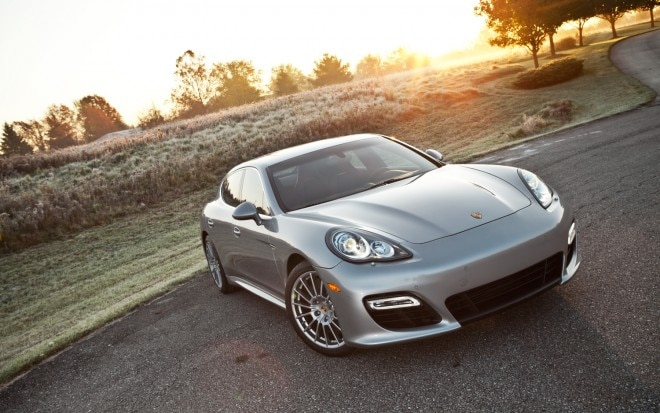 2012 Porsche Panamera Turbo S Front Right View1 660x413