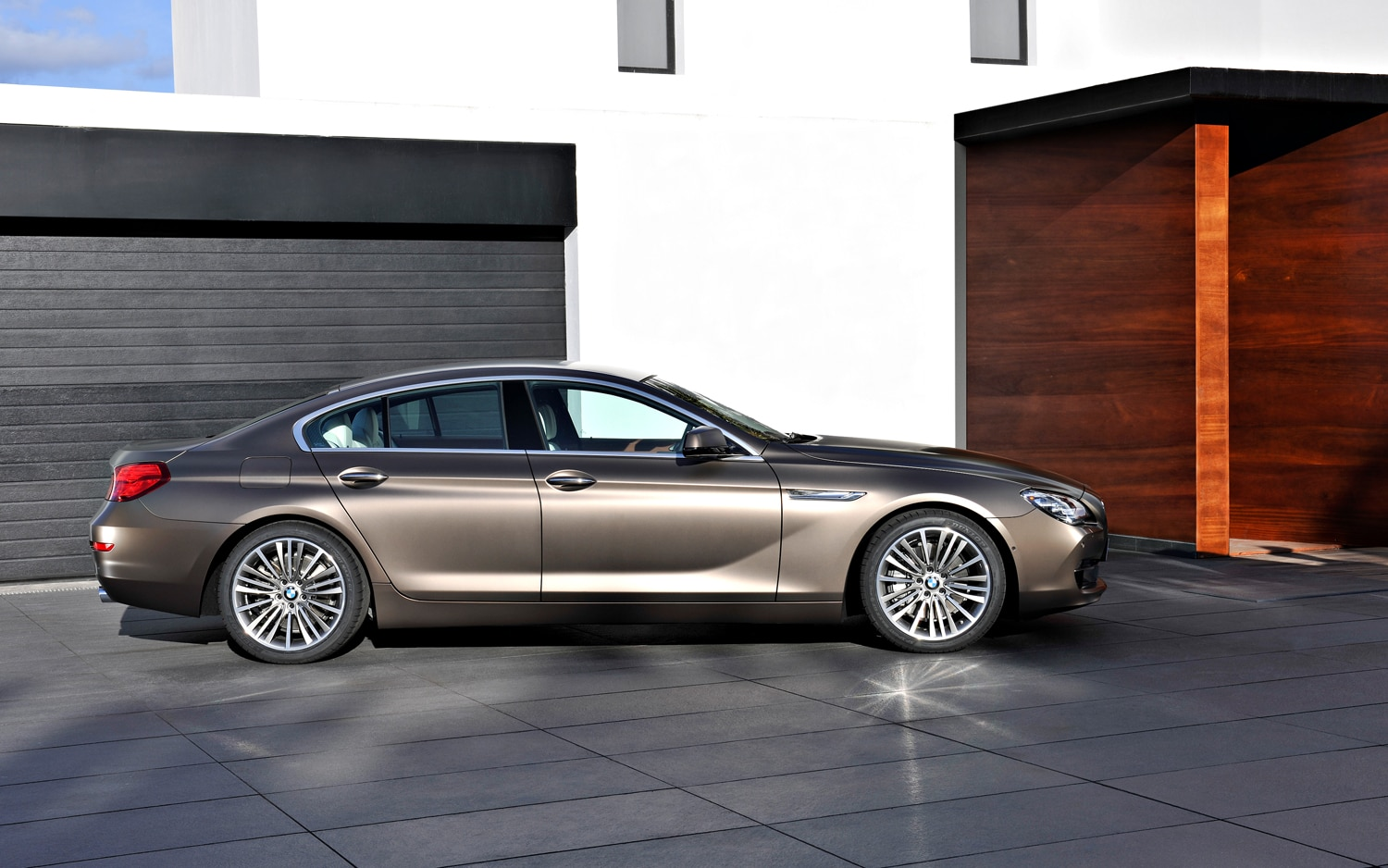 first look 2013 bmw 6 series gran coupe automobile magazine. Black Bedroom Furniture Sets. Home Design Ideas