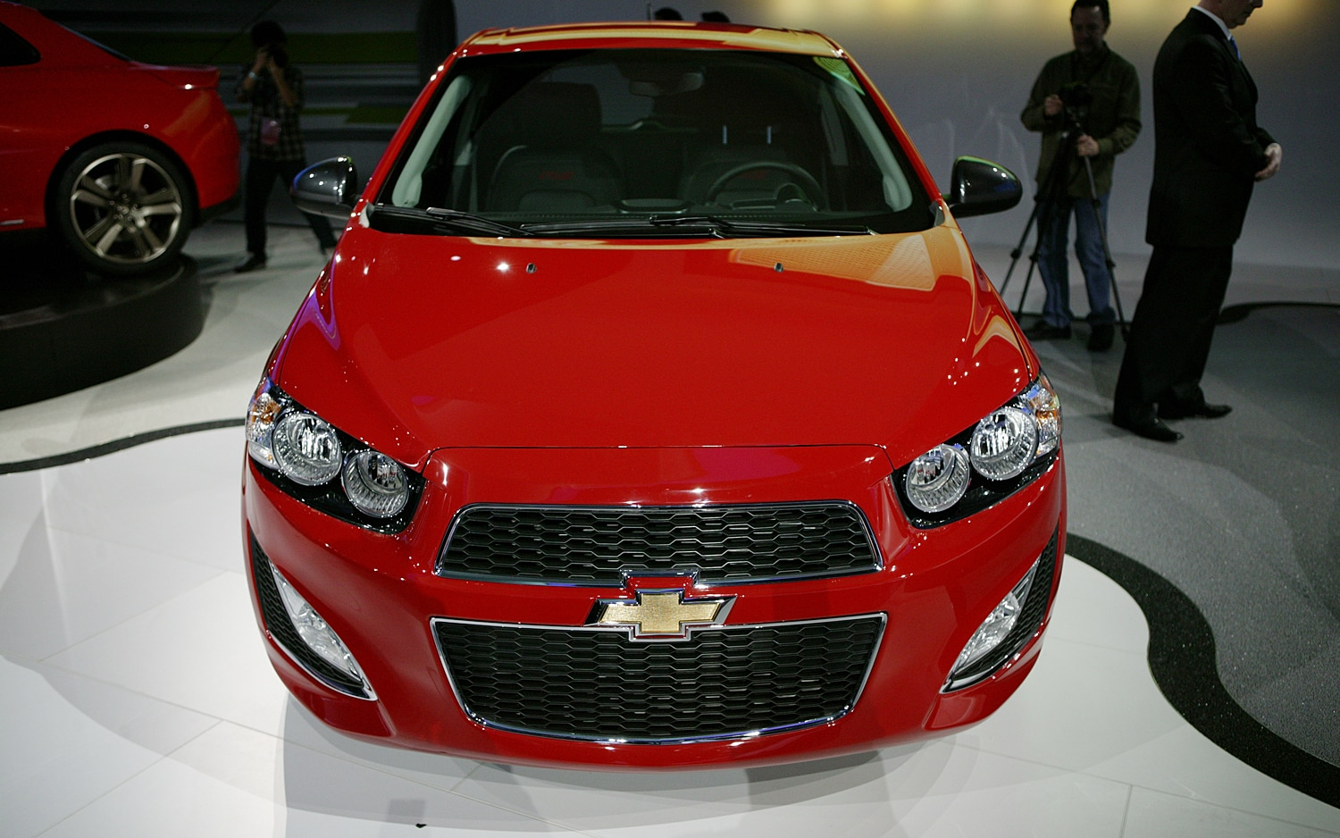 first look 2013 chevrolet sonic rs automobile magazine. Black Bedroom Furniture Sets. Home Design Ideas