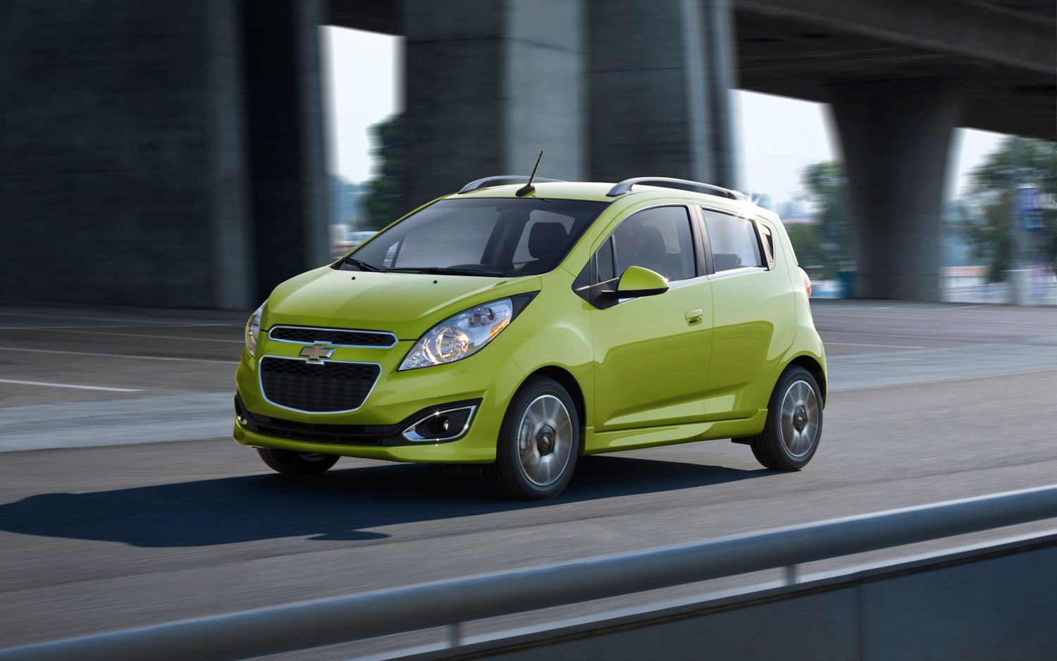2013 Chevrolet Spark Front Three Quarter In Motion 21