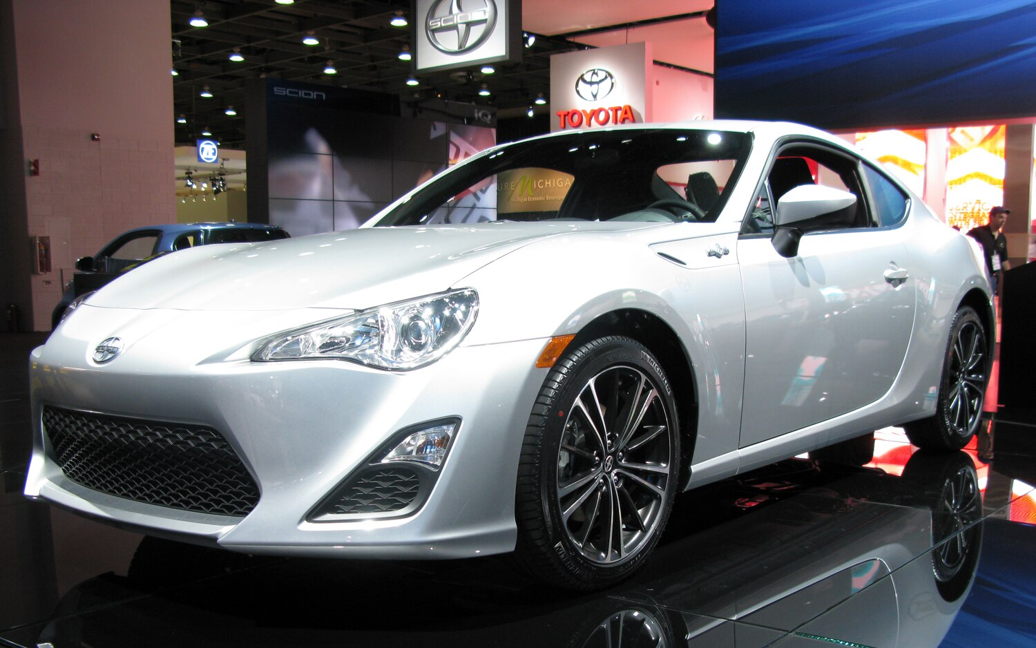 first drive 2013 scion fr s automobile magazine. Black Bedroom Furniture Sets. Home Design Ideas