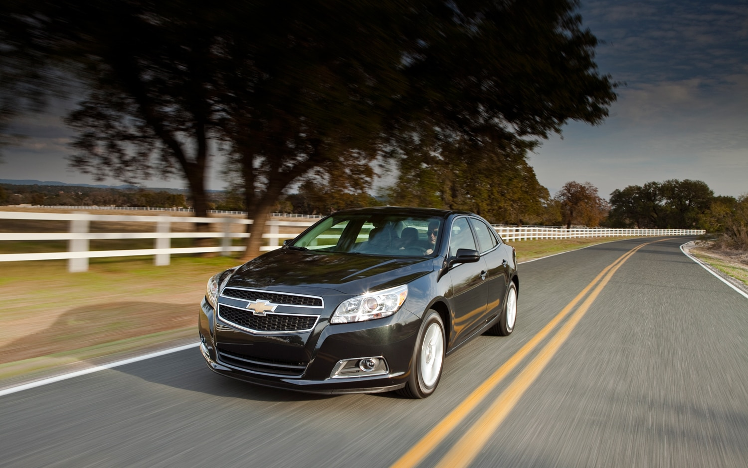 2013 Chevrolet Malibu Eco Front Left View1