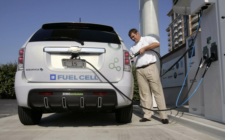 Chevrolet Equinox Fuel Cell Filling1