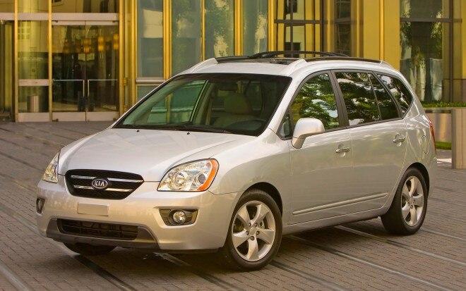 2007 Kia Rondo Front Three Quarter1 660x413