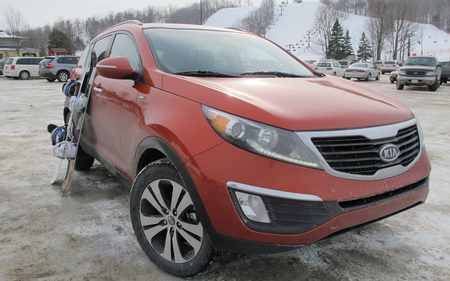 2011 Kia Sportage EX Front Right View1