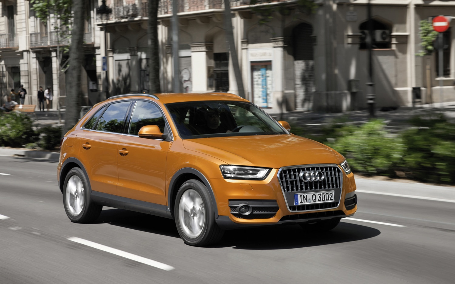 2012 Audi Q3 Front Three Quarter In Motion1