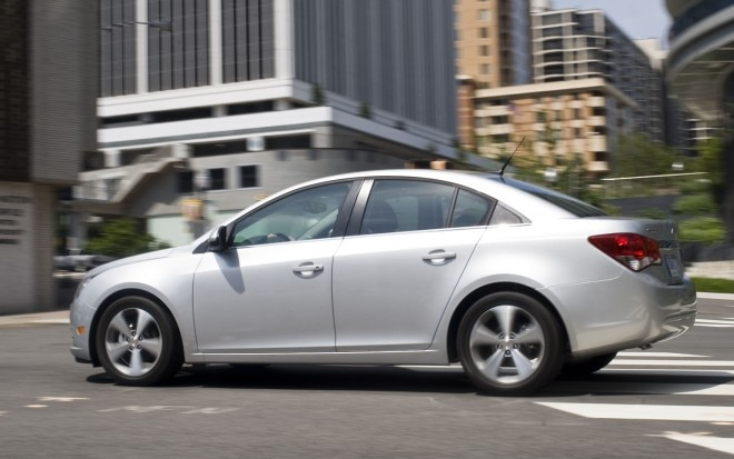 2012 Chevrolet Cruze Left Side View 1 660x413