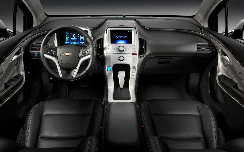 Style Comparison Chevy Volt vs Opel Ampera