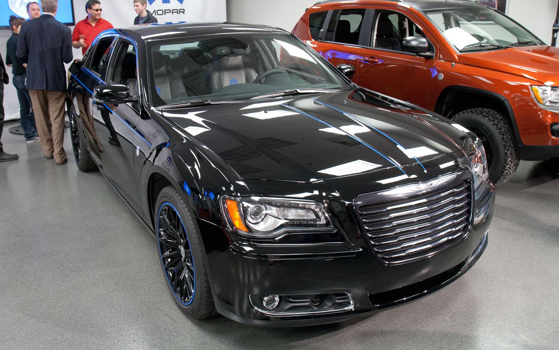 mopar for more cars new packages for 2012 chrysler 300 fiat 500 2013 dodge dart. Black Bedroom Furniture Sets. Home Design Ideas