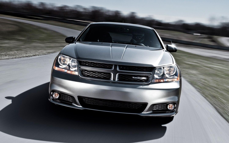 2012 Dodge Avenger RT Front1