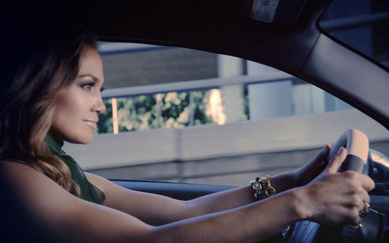 2012 Fiat 500 With Jennifer Lopez Driving1