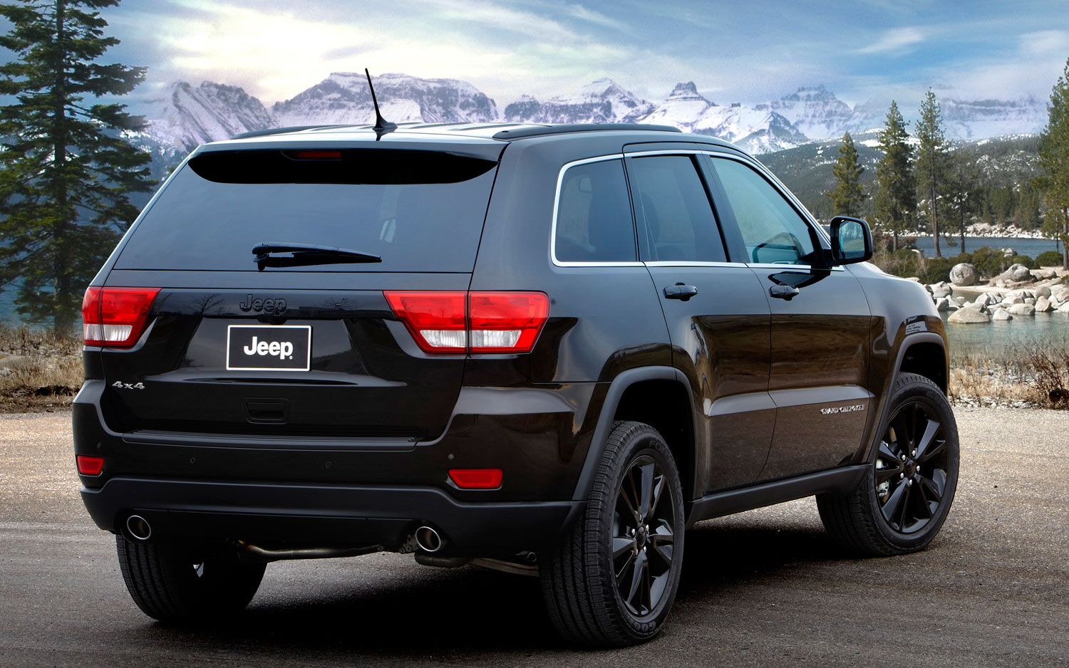 Jeep Previews New 2012 Grand Cherokee Package  Asks You To