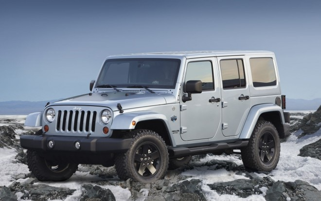 2012 Jeep Wrangler Unlimited Front Three Quarter1 660x413