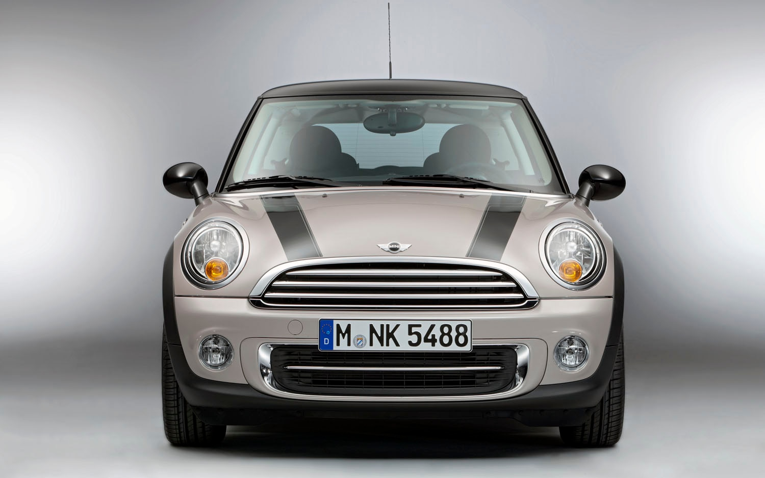 2012 Mini Cooper Baker Street Front View1