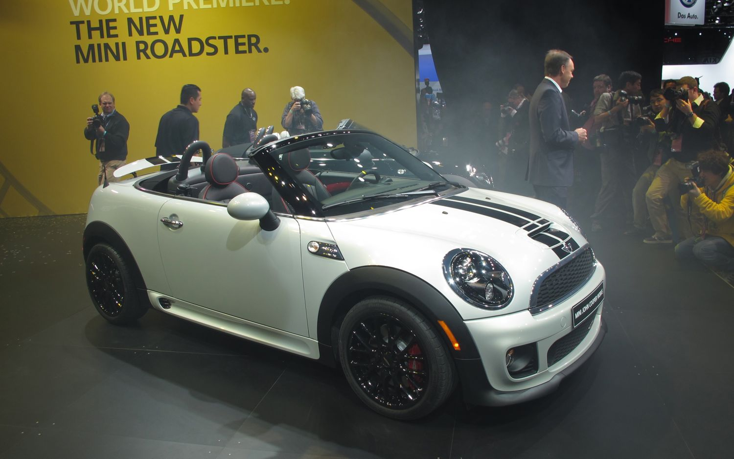 2012 Mini Roadster Front Three Quarter 211