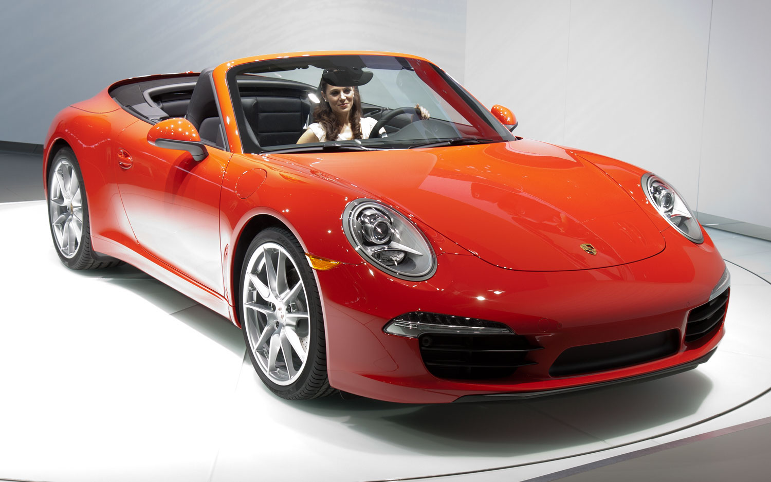 2012 Porsche 911 Carrera Cabriolet Front Three Quarters View1