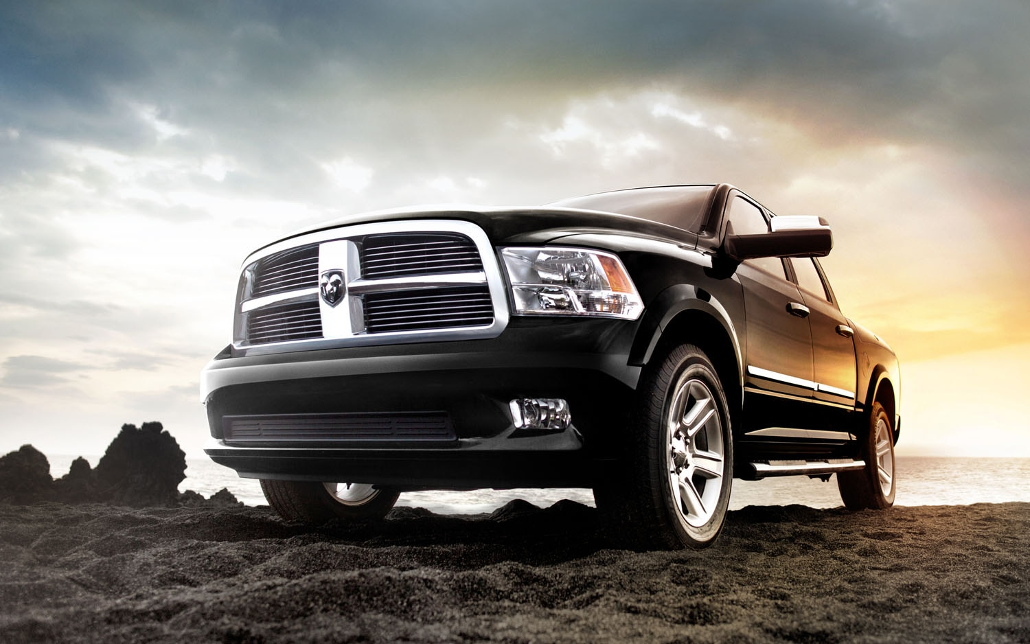 2012 Ram Laramie Limited Front Three Quarter1
