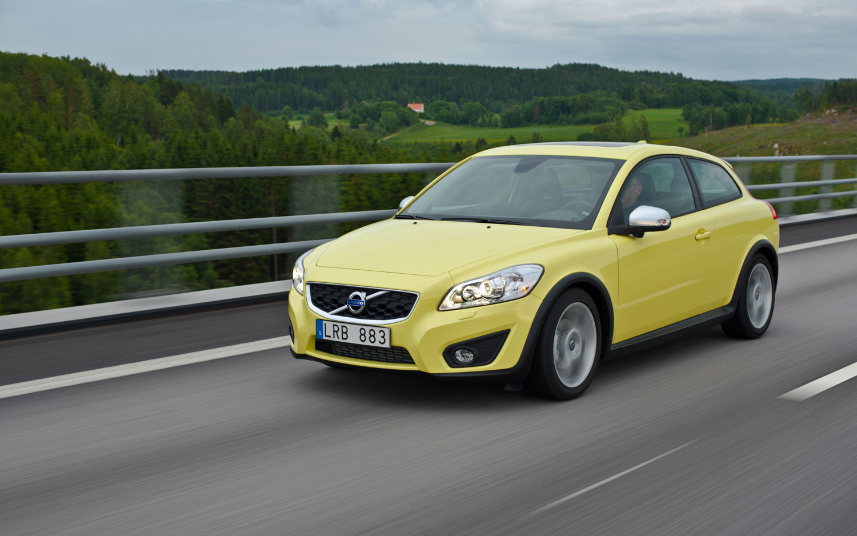 2012 Volvo C30 Front Three1